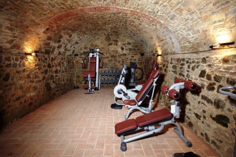 Fitnessraum im alten Keller
