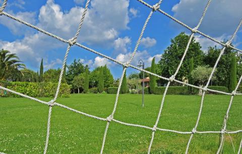 Tolle Ferienvilla mit Fußballfeld bei der Küste | Tritt-toskana.de