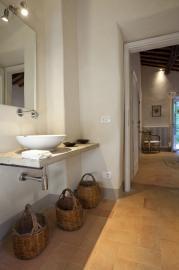 Nette wastafel van de badkamer - Villa Vicolo