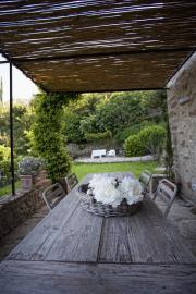 Terras met veranda.