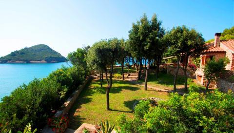 Luxe villa Toscane direct aan de Toscaanse kust