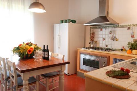 Een van de keukens in de villa