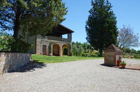 zijaanzicht villa op grens Toscane met Umbrië