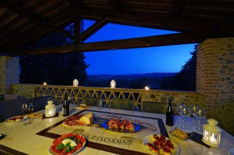 stijlvol dineren op de veranda