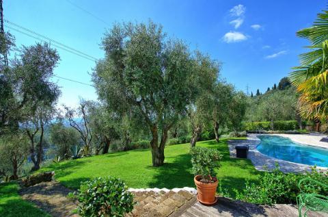 Villa Pietrasanta Toscane kust 6 prs.