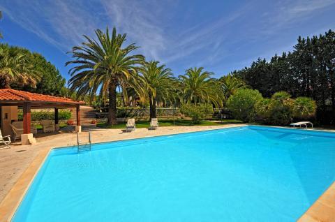 Villa mit großem Pool