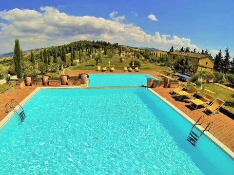 Panoramisch gelegen appartementen met zwembad