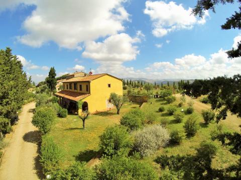 Panoramisch landgoed met 2 landhuizen