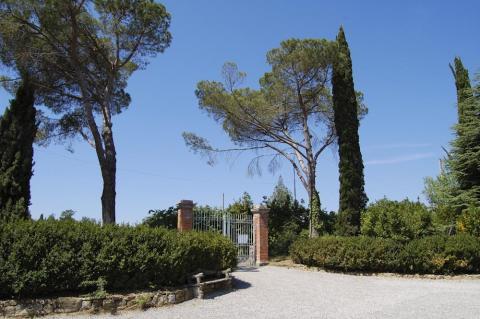 Einfahrt zur Villa