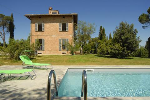 Pool der Villa bei Montepulciano