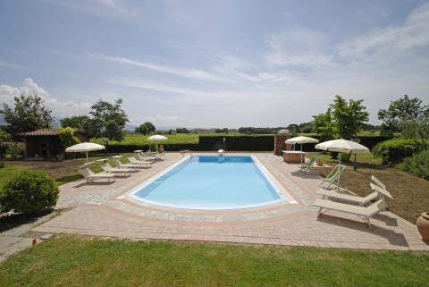 Villa met 2 appartementen en zwembad
