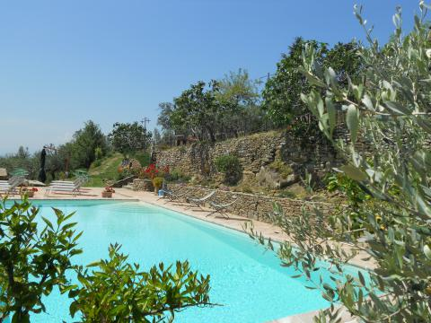 Villa met panorama zwembad bij Cortona