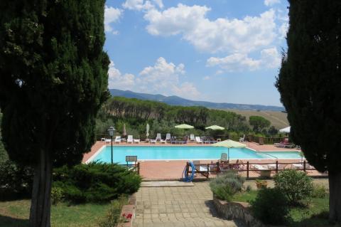 Het zwembad van agriturismo di Santa Luce