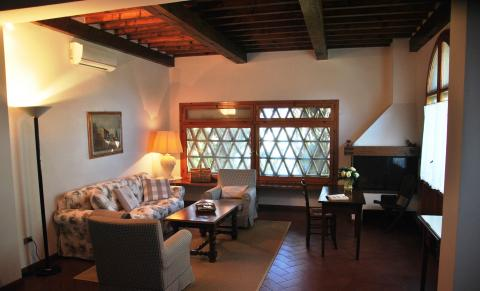 Woonkamer op de verdieping van de villa.