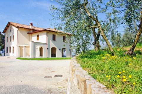 Poggio Giugnano, modernen Agriturismo Lamporecchio | Tritt-toskana.de