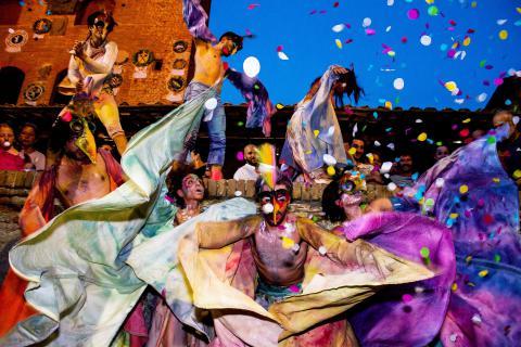 "Mercantia, das ""Straßenkünstler-Festival"" in Certaldo"