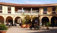 Shopping outlet stores in Toscane